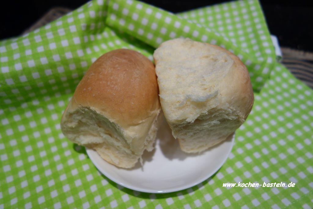 weiche Brötchen - dinner rolls - offen