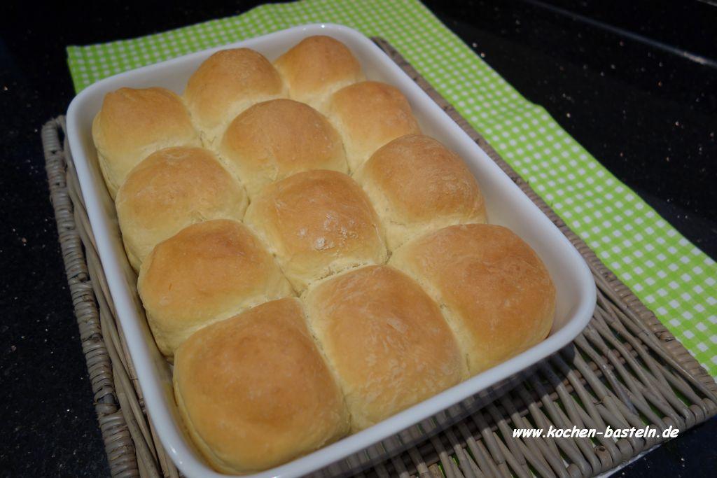 weiche Brötchen - dinner rolls